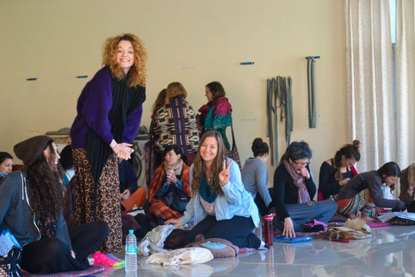 200 hour teacher training in India happy learning yoga philosophy