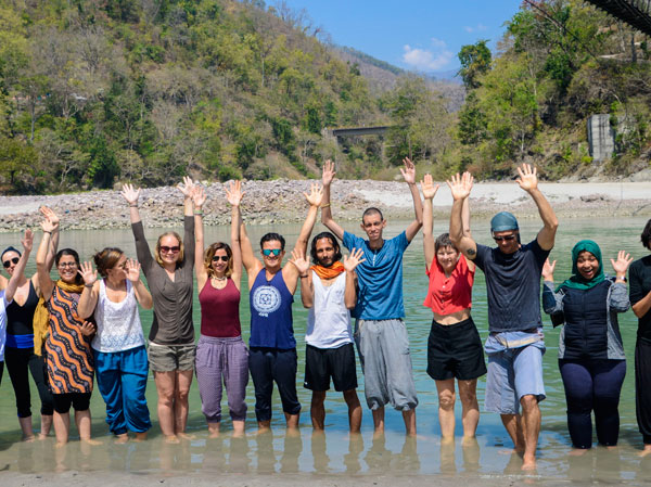 Yoga retreat in India Ganges river visit