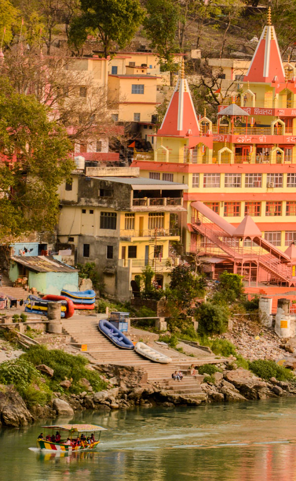 Yoga retreat in India Rishikesh Ashrams