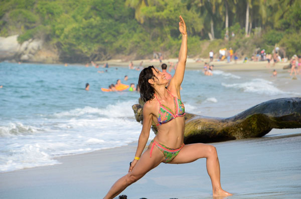 Yoga retreat in Colombia ejoying the beach Tayrona Park
